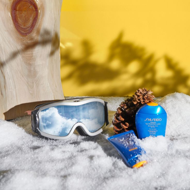 The sun is still strong when you're on the #slopes! Protect your skin with #Shiseido #sunscreen while you're #skiing or #snowboarding on your winter vacation. #ShiseidoSun