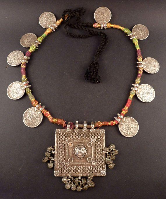 Rajasthan alten Silber-Rupie-Münzen und von ethnicadornment auf Etsy