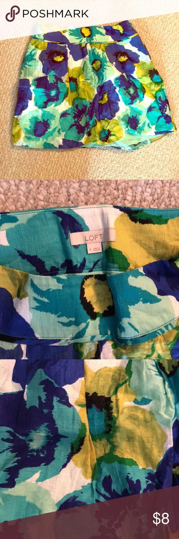 Ann Taylor Loft floral mini skirt Ann Taylor Loft blue + green floral mini skirt. Linen outer shell. 💙💚🌼 LOFT Skirts Mini