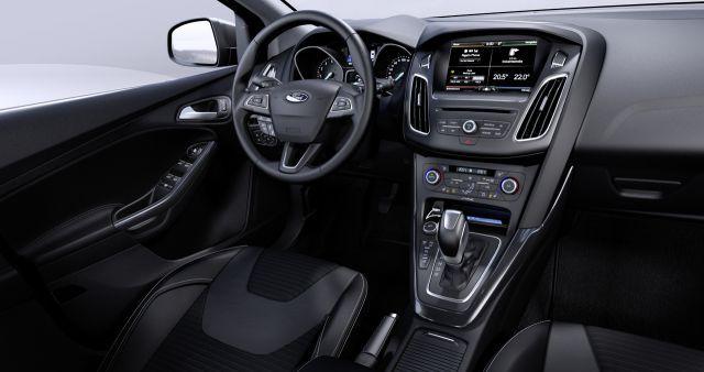 System SYNC 2 z ekranem dotykowym  Nowy Ford Focus będzie pierwszym modelem tej marki w Europie wyposażonym w system SYNC 2. Opracowany przez Forda zaawansowany system komunikacji obejmuje 8-calowy kolorowy ekran dotykowy o wysokiej rozdzielczości oraz zaawansowany system kontroli głosowej, zapewniający łatwiejsze sterowanie funkcjami systemu audio, nawigacji, klimatyzacji oraz kompatybilnych telefonów komórkowych.