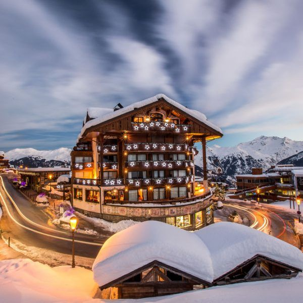 #Chalet Hotel de La Loze 3* – #Courchevel  A STUNNING 200 SQM APARTMENT AVAILABLE FROM 11TH TO 18TH FEB http://bit.ly/2DbkzFd