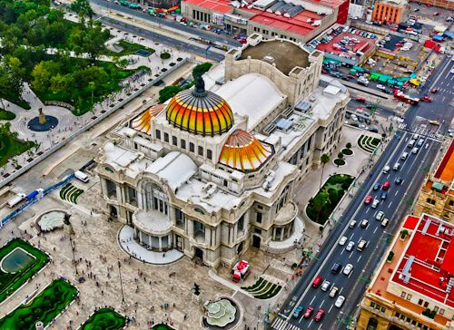 Mexico City is the capital city of Mexico and one of the biggest cities in the world. Mexico city offers the following points of interest for tourists and photographers;   Chapultepec  Zócalo  Bellas Artes Palace  Chapultepec castle (and city photography)  Metropolitan cathedral  Historic downtown  Day trip toTeotihuacan pyramids  Angel of Independence  Torre Latinoamericana (for city photography)