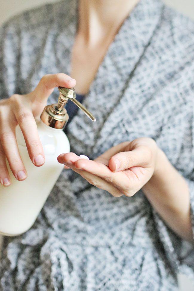 Homemade Vitamin E Scar Lotion | http://helloglow.co/homemade-scar-lotion/