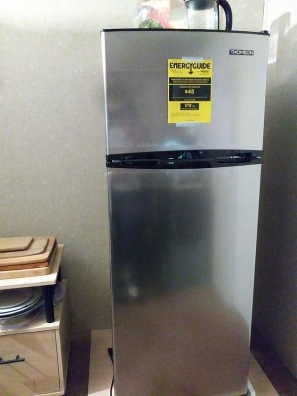 Thomson 7 5 Cu Ft Top Freezer Refrigerator Sam S Club Freezer Storage Bins Freezer Storage Refrigerator