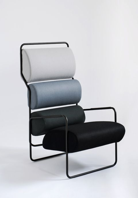"""Daybed """"FK01 Theban"""" by Ferdinand Kramer, photo © e15 Rocking chair """"Derive 2"""" by Pierre Paulin, photo © Ligne Roset Armchair """"Sancarlo"""" by Achille and Pier Giacomo Castiglioni, photo © Tacchini"""