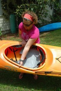 Although written for women, any new kayaker will benifit from these tips on lifting and loading a kayak in this informative article