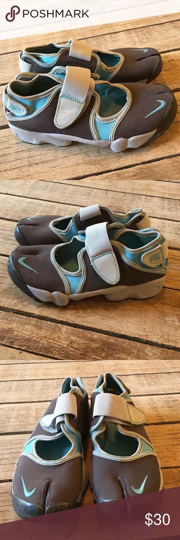 Nike Air Rift Split toe Mary Jane style shoe Nike Air Rift size 8 Split toe tennis shoe Mary Jane style. Two tone agua / brown nike Shoes Athletic Shoes
