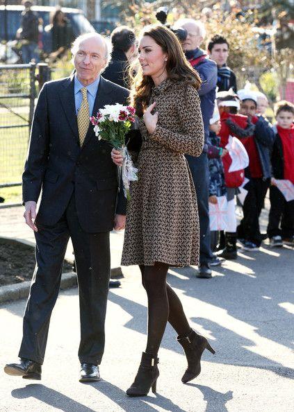 Kate Middleton - Kate Middleton Visits Rose Hill School 4
