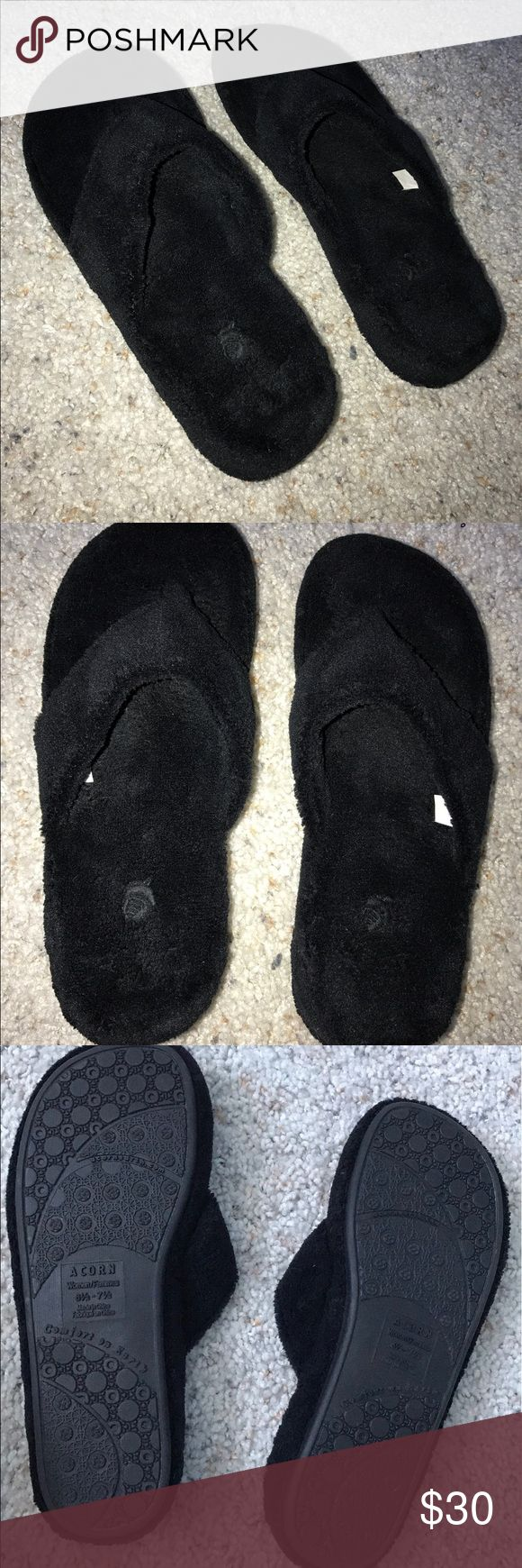 Women's Acorn Slippers - size 6 1/7 - 7 1/2 New Acorn Slippers, tried on but never worn! I originally bought these because I wanted to wear them around the house after stepping in glass.. ouch! I could never get myself to remember to wear shoes indoors though and it's time to clean out my closet! Acorn Shoes Slippers