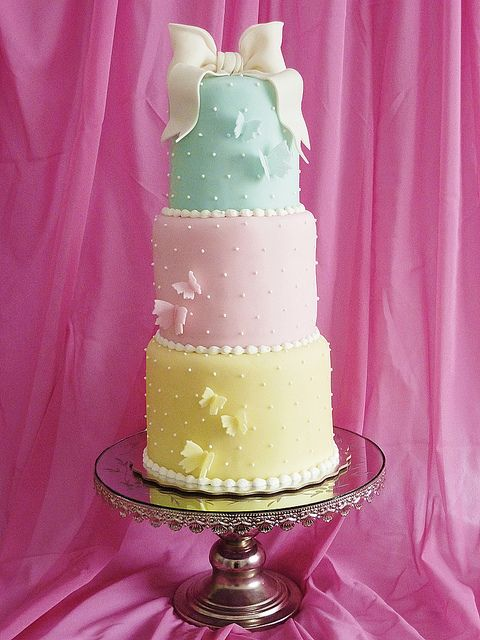 Pastel cake by Mina Magiska Bakverk (My Magical Pastries), via Flickr