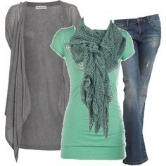 Simple and beautiful outfit.
