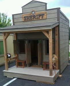 Cute playhouse for a little boy :) hopefully someday Chuck and I will make one of these <3