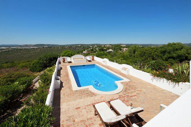 Prachtige villa in natuurgebied met uitzicht op Loulé en de oceaan