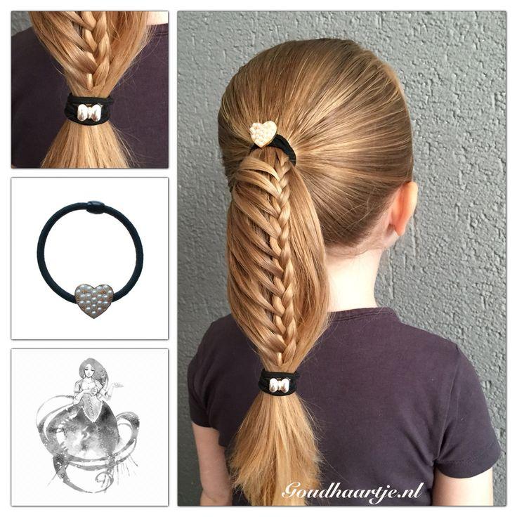 Laddervlecht paardenstaart met twee leuke haarelastiekjes van Goudhaartje.nl  #ladderbraid #braid #ponytail #hairelastics #hairstyle #hairaccesories #laddervlecht #vlecht #paardenstaart #haarelastiekjes #haarstijl #haaraccessoires #goudhaartje