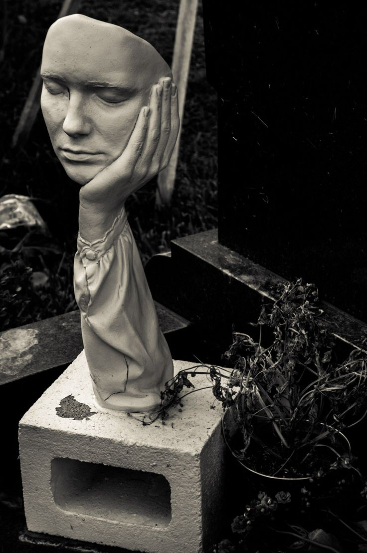 Hollywood Forever Cemetery - Photography by Andrew Kavanagh