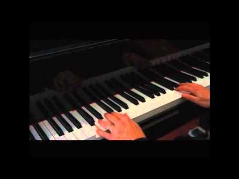 The Best Left Hand Pattern for Piano - YouTube