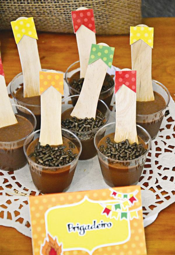 Colorful Festa Junina Party {Brazilian Tradition} // Hostess with the Mostess®
