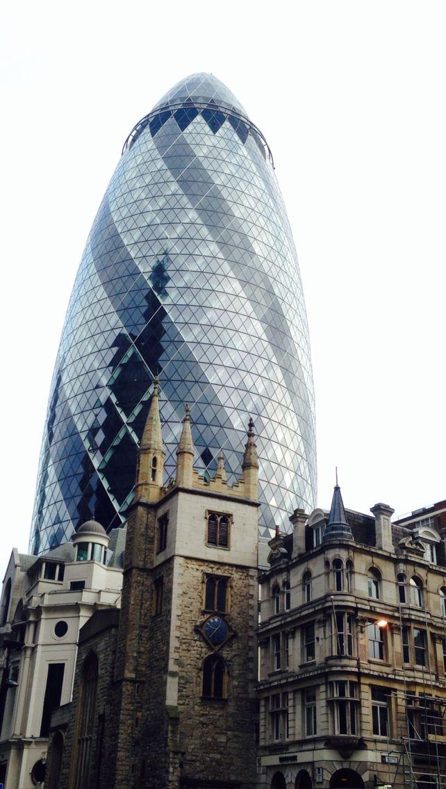 Norman Foster_Swiss Re Tower, Londra