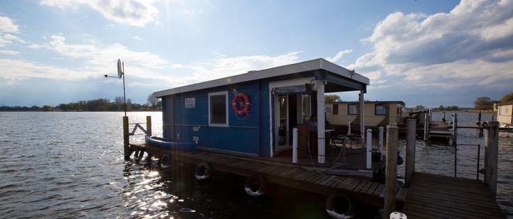 Ein Hausboot, ein kunterbuntes Hausboot... Das Bunbo - Buzz & CoCo