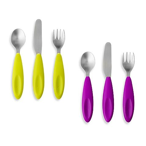 Your growing little foodie will love the Boon FLATWARE 3-Piece Transitional Toddler Utensil Set. Featuring a stainless steel fork, spoon, and knife with rounded edges and contoured handles, these utensils help make self-feeding easier and fun.
