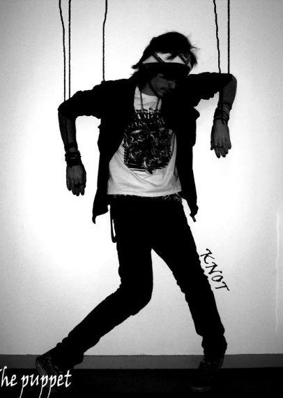 Puppet | High Fashion Ideas | Model Pose