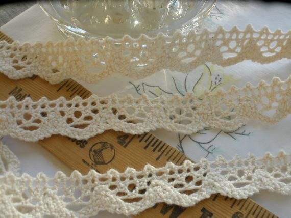8 YDS SCALLOPED WHITE COTTON CLUNY LACE TRIM.