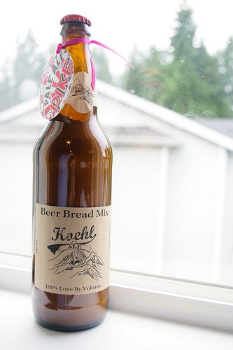 I love this idea! Beer bread mix in a beer bottle as wedding favors! So cute!