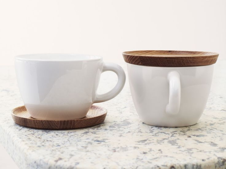 teacup w/ wood saucer / hoganas keramik