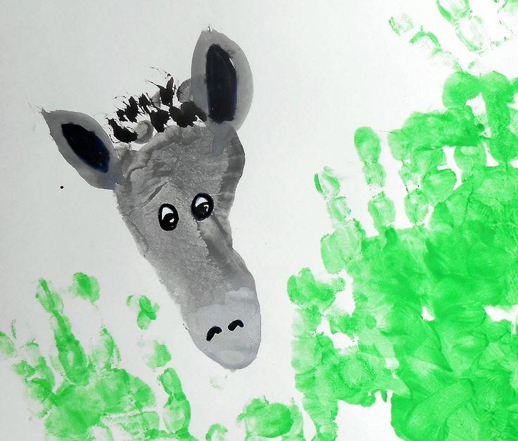 ane-empreintes-pied-enfants-enfant-peinture-facile-simple-activité-manuelle-bébé-tableau-ferme (1)