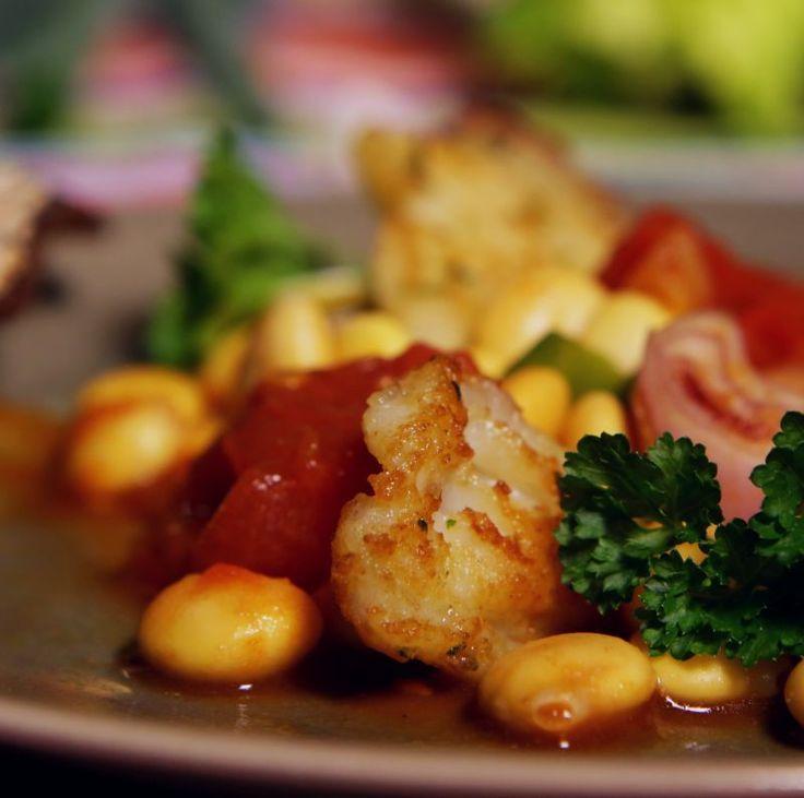 Afvallen? Deze Oosterse vis met bonen en verse tomaten wordt extra gezond als je lupinebonen gebruikt. Die Powerpeul is niet vet en zit vol eiwitten en vezels. Recept: http://www.slowfoodies.nl/gezond/vis-met-powerpeul/