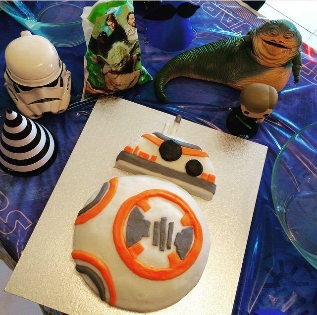 BB8 Star Wars Happy May the 4th cake!! Made by Blondsaurus Star Wars VII The Force Awakens Countdown By Blondsaurus INSTAGRAM instagram.com/...