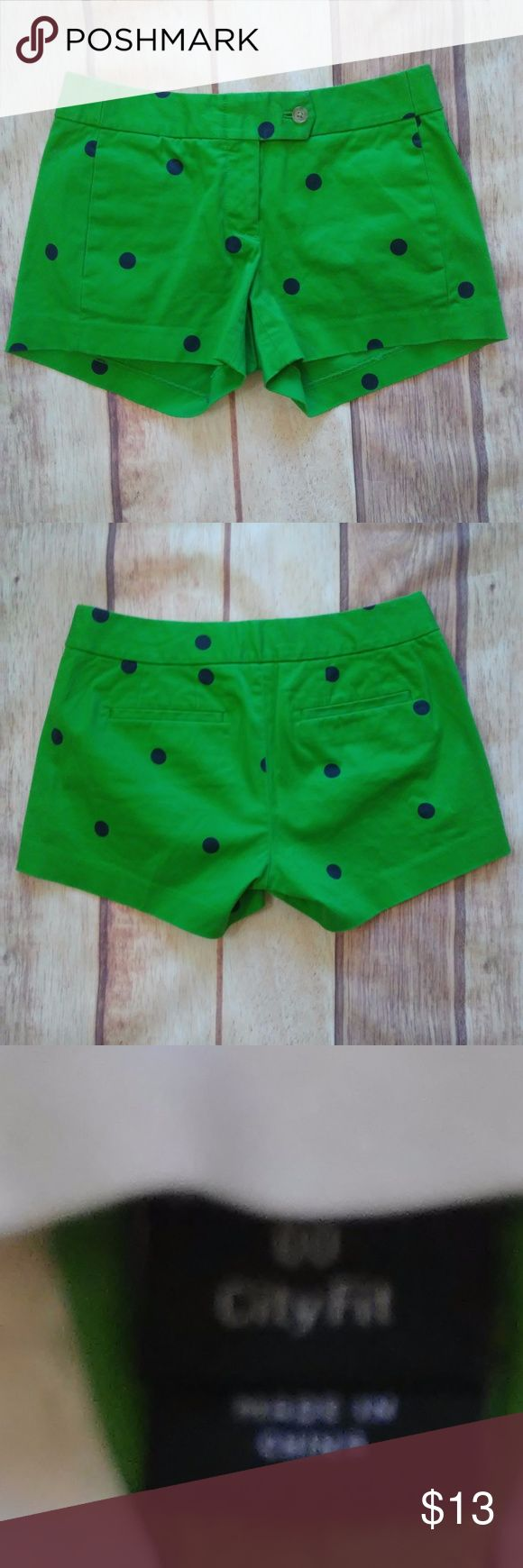 """J.Crew City Fit Stretch Size 00 Green/Blue Like new condition, Measures as 14"""" Waist lying flat across, 10"""" Length 97% cotton, 3% Spandex All measurements are taken lying flat. No rips stains tears or flaws, Colors may vary from screen to screen. (Bin-E) J Crew Shorts"""