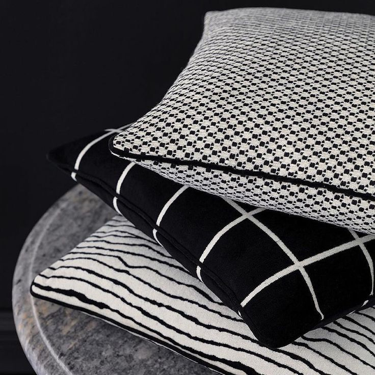 #новинки: коллекция тканей Black&White @persanrussia Заказать можно в #Galleria_Arben #blackandwhite #fabric #curtain #шторы #интерьер