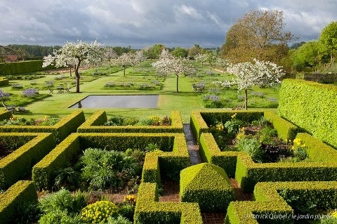 Le jardin plume patrick sylvie quibel auzouville sur for Le jardin normand