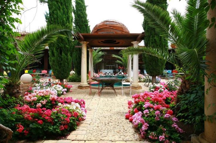 patio de lo diverso hotel palacio de la serna inspiracion para