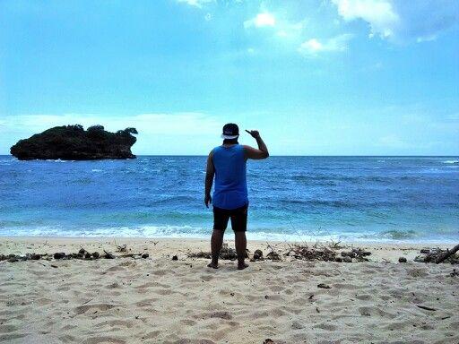 Pantai Watu karung, Pacitan Jawa Timur #travelerdadakan #indonesia #TDI #explorepacitan