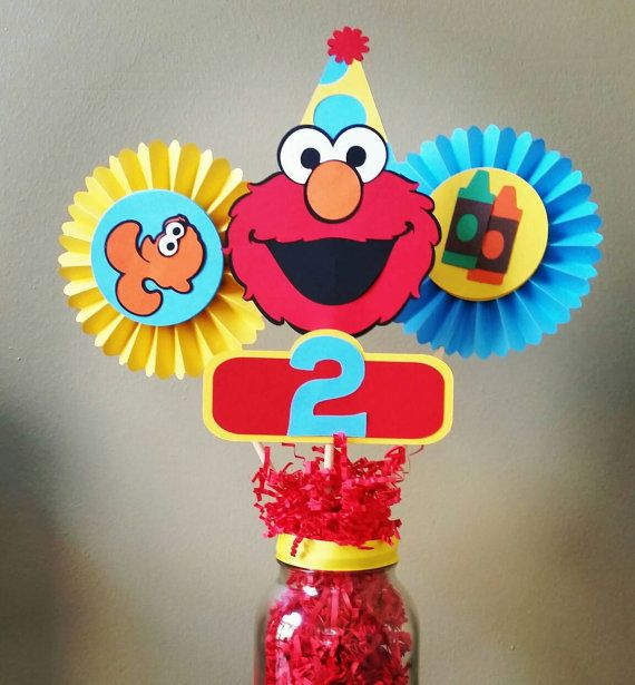 Elmo Centerpiece, Elmo Table Centerpiece, Elmo table decor Check out this item in my Etsy shop https://www.etsy.com/listing/477858983/elmo-centerpiece-elmo-rosette-elmo