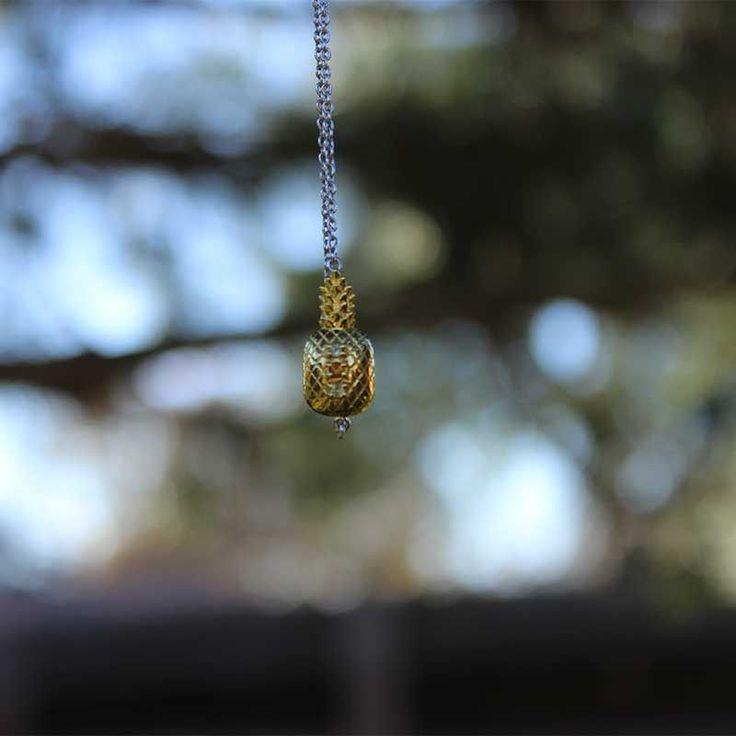 collection bijoux ananas en argent rhodié, vermeil, citrine, péridot. bienfaits et vertus du péridot, de la citrine. pierre de naissance. #bijou #tendance #jewelry #2017 #ananas #pineapple #peridot #vert #bijou #jewelry #jewellery #tendance #2017 #jaune #benefits #stone #birthstones #sathyne #citrine #bague #bracelet #collier #boucles #necklace #ring #earrings