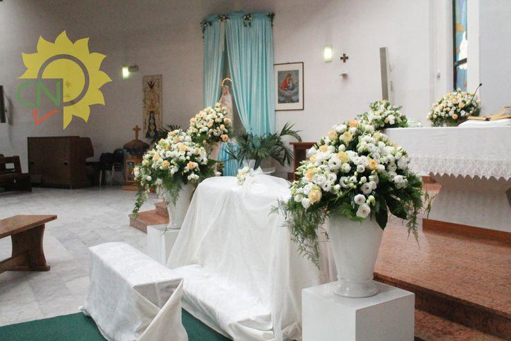 Matrimonio con lisianthus bianchi e rose avalanche color pesca - Casanatura vivaio