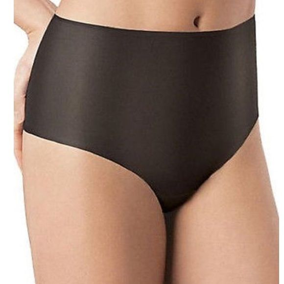 BOGO 2 NWT SPANX skinny britches hipster underwear Medium control ultra-sheer, shaping hipster panty Ultra-light fabric firms tummy, hips, thighs Non-binding waistband and fabric lay flat. Laser-cut leg and edges eliminate pinching Cheeky rear coverage Cotton gusset for comfort Add Skinny Britches mid-thigh shaper for compression 61% Nylon 39% Spandex Small, medium and large all sized available please ask which color you would like according to size pale pink, black and nude colors available…