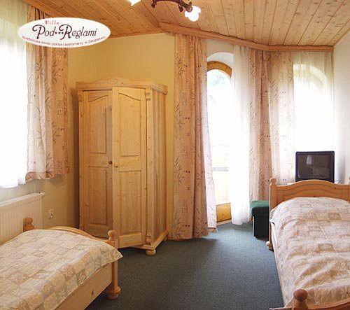 Apartament I - druga sypialnia:  2 pojedyncze łóżka, telewizor, balkon