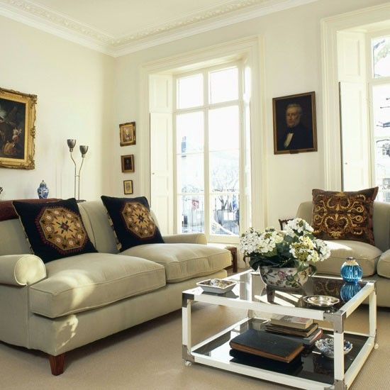 Best 25 traditional living rooms ideas on pinterest for Beautiful traditional living rooms