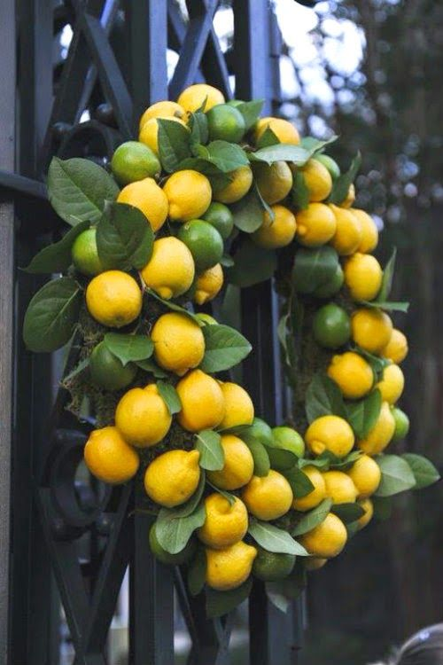 Don't you love how lemons can create such a festive look too?