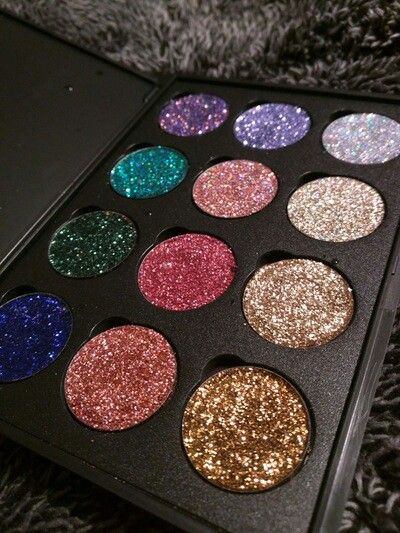 Vanity Pool glitter palette, $39 + FREE SHIPPING with code FREESHIPPING30  ✨Click image to shop alternativecosmetics.bigcartel.com