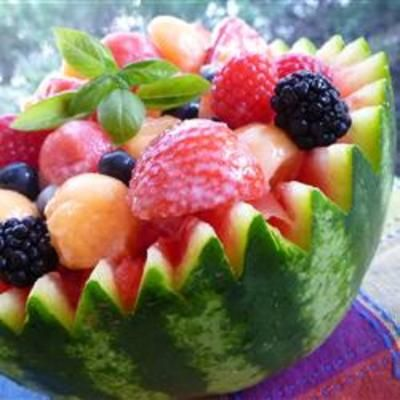 Strawberry-Melon Summer Salad: Fruit Salad, Summer Day, Summer Salad Recipes, Strawberries Melon Summer, Art Recipes, Summer Salads, Watermelon Recipes, Melon Salad, Strawberrymelon Summer