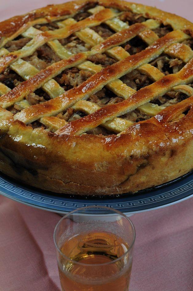 Frola de manzanas, canela y nuez, con una receta de Dolli Irigoyen…