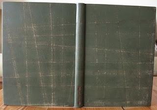 Libro en pleno cuero trabajado con lija.