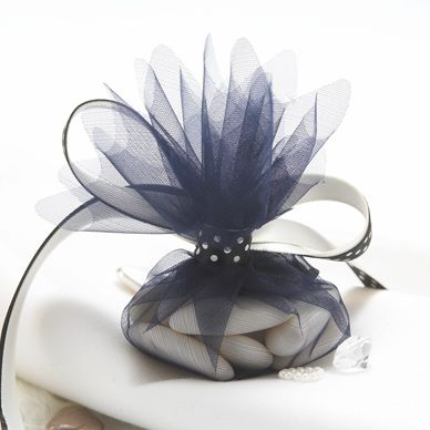 I love tulle tied into a little package!