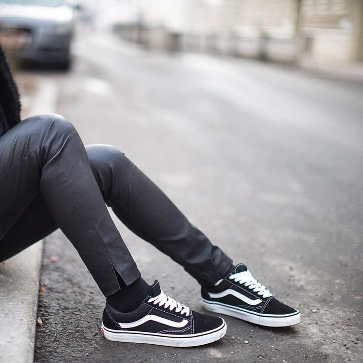 Sneakers women - Vans Old Skool (©fashionlandscape)