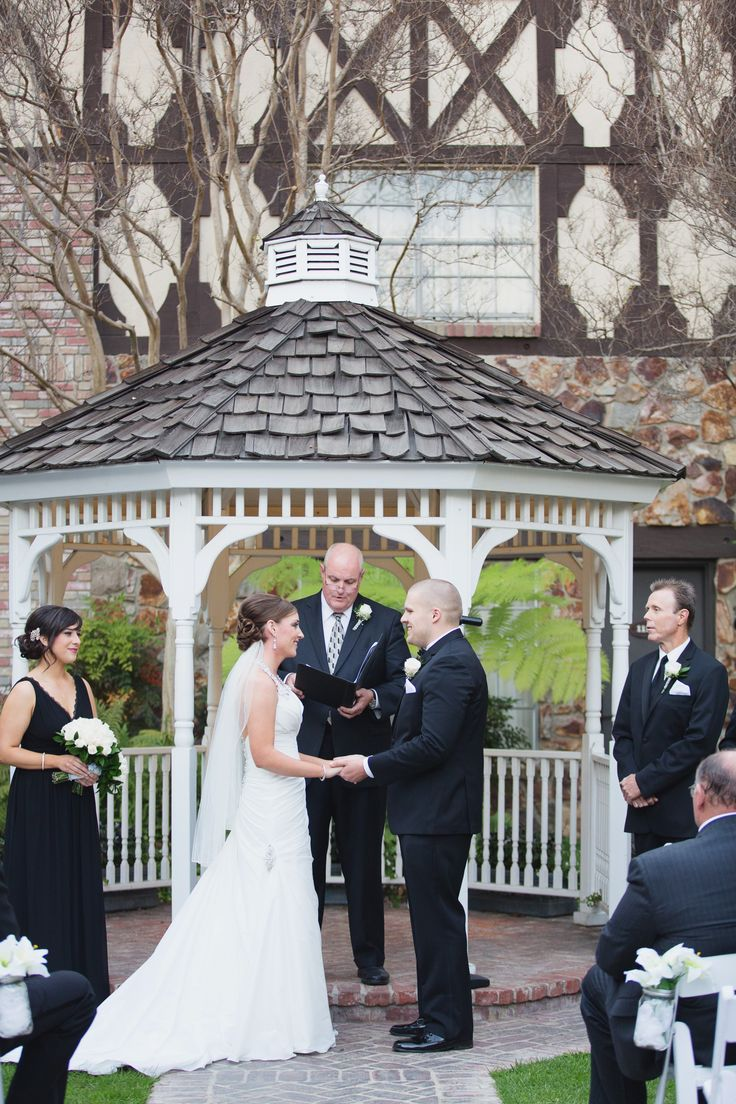 Plan Your Dream Wedding At Our Disneyland Good Neighbor Hotel The Anaheim Majestic Garden And Let Magic Begin